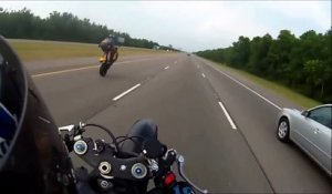 Terrible crash en Moto à plus de 160km/h - Wheelie raté sur l'autoroute