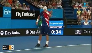 Geste fair-play de Jack Sock face à Lleyton Hewitt
