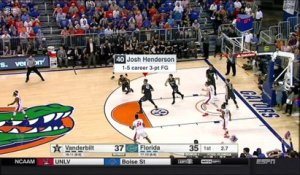 NCAA: l'incroyable shoot au buzzer de Josh Henderson