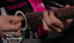 Zakk Wylde joue du Black Sabbath sur une guitare Hello Kitty
