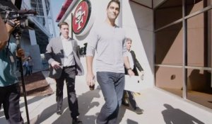 Jimmy Garoppolo arrives at 49ers facility