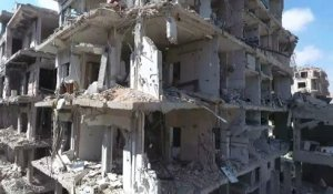 Images de drone montrent la destruction dans Douma