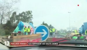 """Foulards rouges"": les opposants aux ""gilets jaunes"""