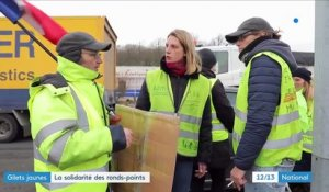 """Gilets jaunes"" : la solidarité des ronds-points"
