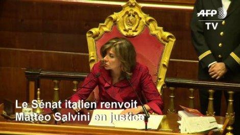 """Résultat de recherche d'images pour """"photo salvini au senat"""""""