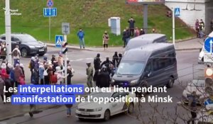 Plus de 800 arrestations au Bélarus, l'opposition en appelle à Biden