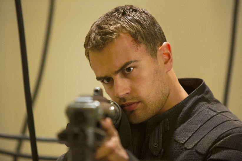 Divergente 2 : l'insurrection : Photo Theo James