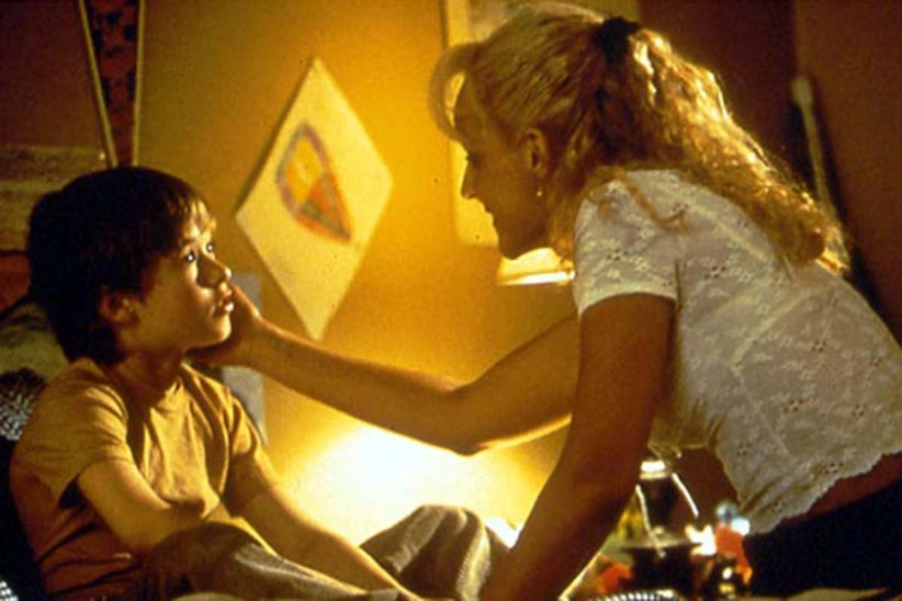 Un Monde meilleur : Photo Haley Joel Osment, Helen Hunt