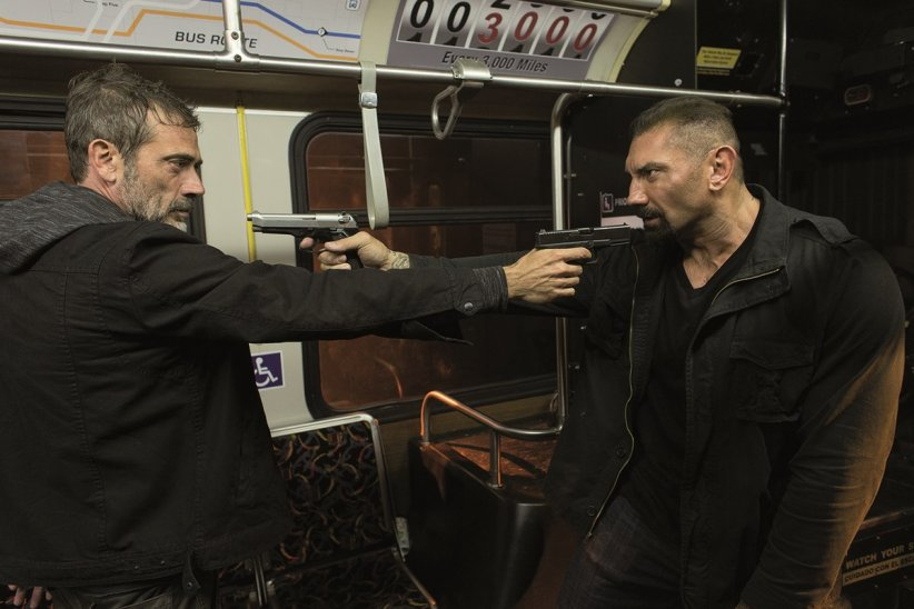 Bus 657 : Photo Dave Bautista, Jeffrey Dean Morgan