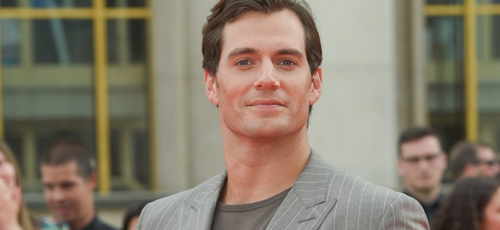 "Henry Cavill ""adorerait"" jouer James Bond"