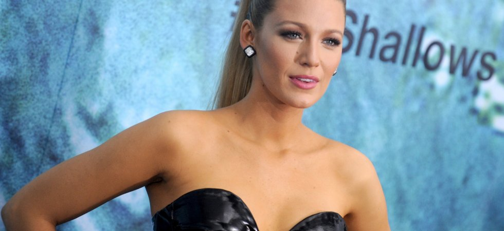 "Blake Lively ""torturée"" par Deadpool en avion"