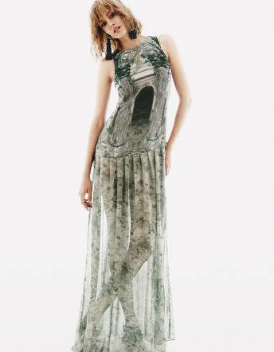 correspondant en couleur magasin britannique bonne texture Quelle robe longue adopter selon sa morphologie ?