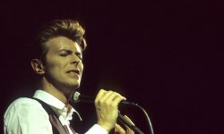 David Bowie : Hugo Boss sort une collection de mode à son effigie