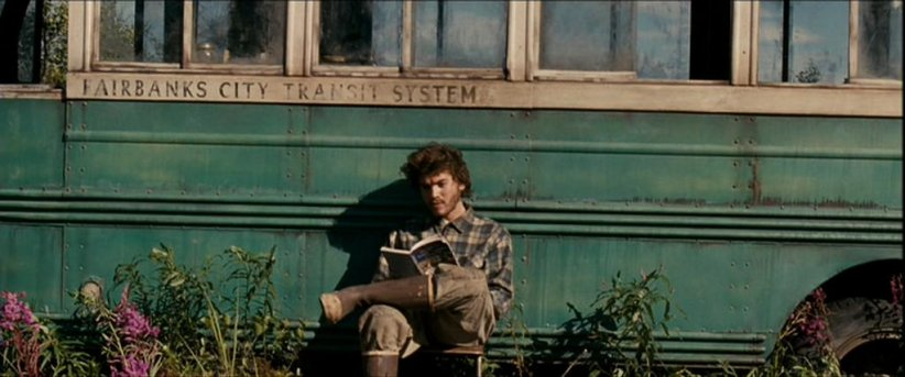 "Emile Hirsch interprète l'aventurier Christopher McCandless dans ""Into the Wild"" (2008) de Sean Penn."