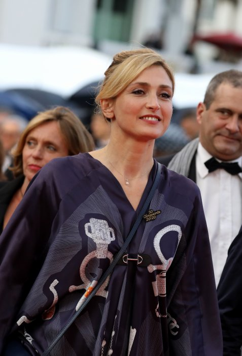 Julie Gayet, amoureuse mais libre