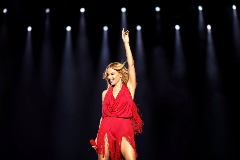 Kylie Minogue, soignée à Paris