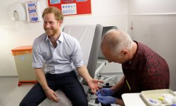 VIH : prince Harry se fait dépister en direct