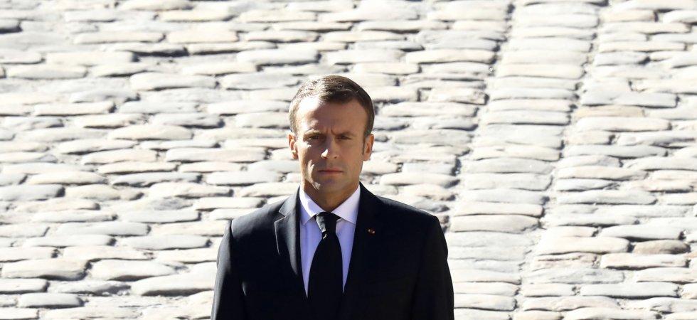 Emmanuel Macron Seduit La Toile En Sweat A Capuche Et Barbe De Trois Jours