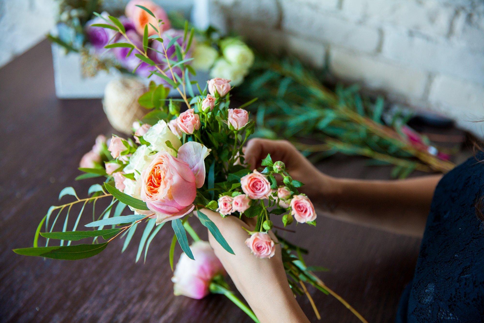 Ou Acheter De La Mousse Pour Piquer Des Fleurs comment réaliser ses propres compositions florales ?