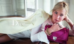 Jennifer Lawrence pose pour Dior
