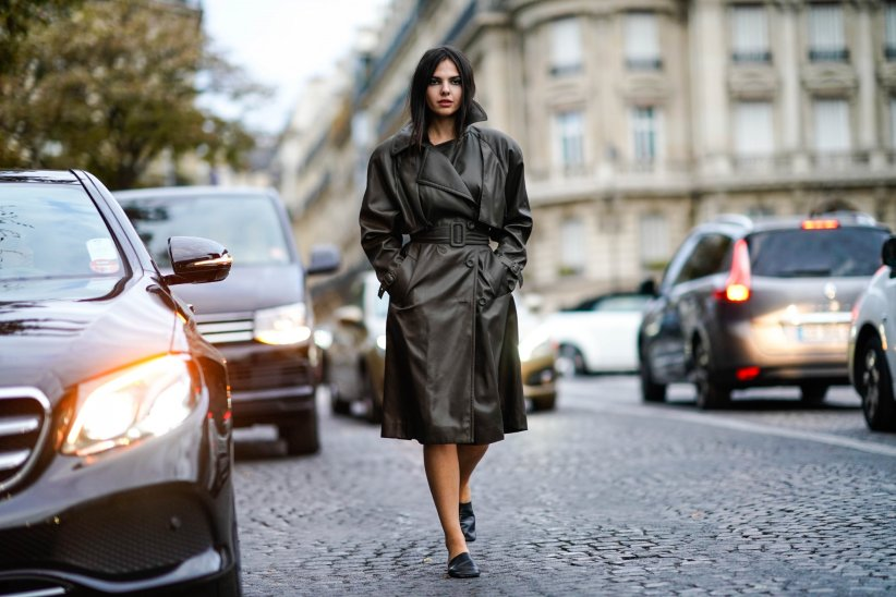 Doina Ciobanu dans les rues de Paris durant la Fashion Week printemps-été 2019, le 30 septembre 2018.