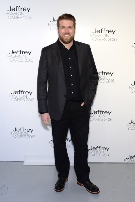 Zach Miko, premier mannequin homme plus size, assiste au Jeffrey Fashion Cares le 4 avril 2016, à New York.
