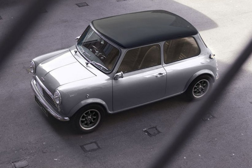 Mini Remastered par David Brown