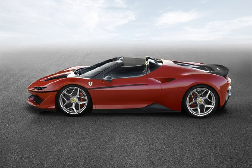 Ferrari dévoile son exclusive J50