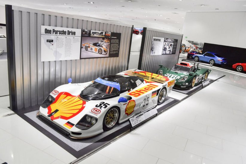Exposition Roadbook au Porsche Museum