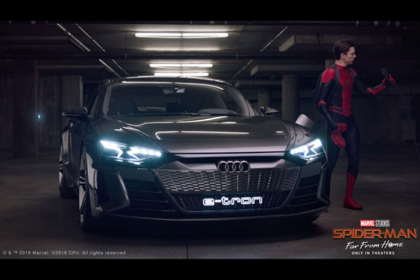 Spider-Man accueille l'Audi e-tron