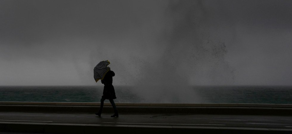 "Météo France maintient 10 départements en vigilance orange ""vent violent"""