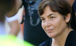 """VIDEO. La ministre des Outre-mer Annick Girardin débat dans la rue avec les """"gilets jaunes"""""""