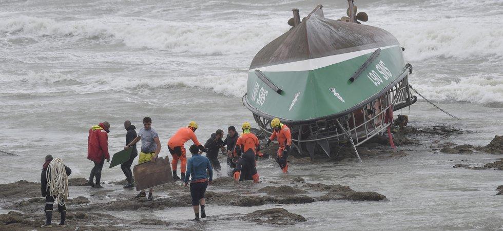 Naufrage aux Sables-d'Olonne : qui sont les secouristes décédés et le pêcheur disparu ?