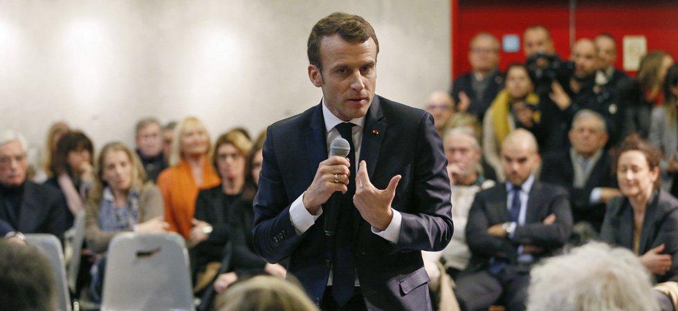 """VIDÉOS. """"Je suis le fils de cette crise"""", assure Emmanuel Macron lors d'un débat-citoyen"""