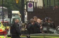 Voiture folle à Londres : les images de l'arrestation du conducteur